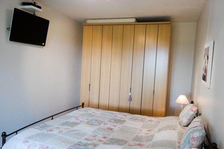 Slaapkamer Met Wandkast : Vakantiehuis le défi vakantiehuis le défi slaapkamer